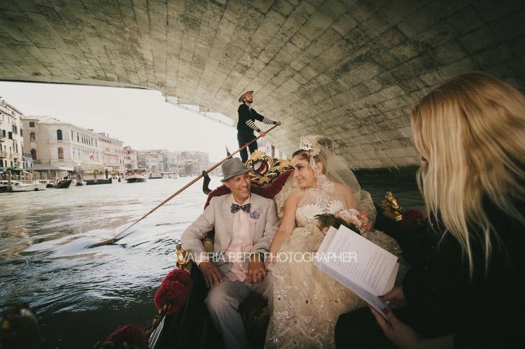 rinnovo-promesse-venezia-gondola-005