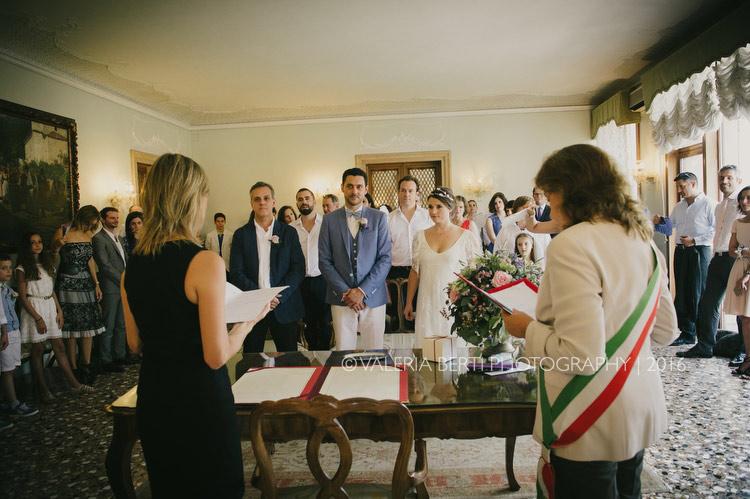 cerimonia-sposi-palazzo-cavalli-venezia-008