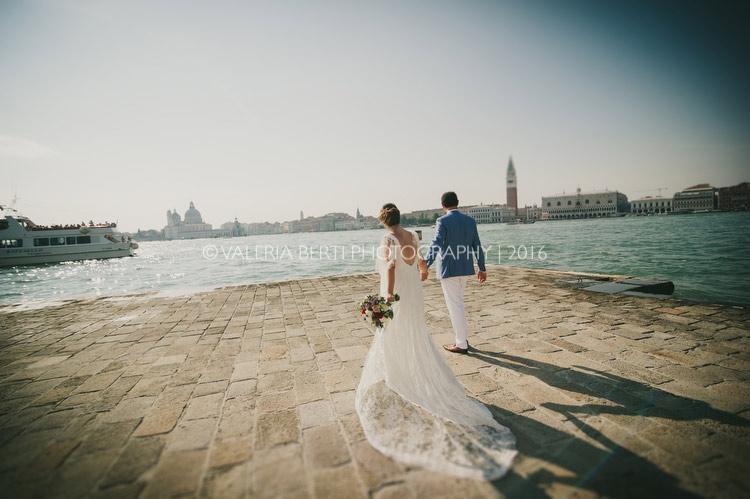 ritratti-sposi-venezia-gondola-004