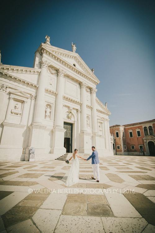 ritratti-sposi-venezia-gondola-007