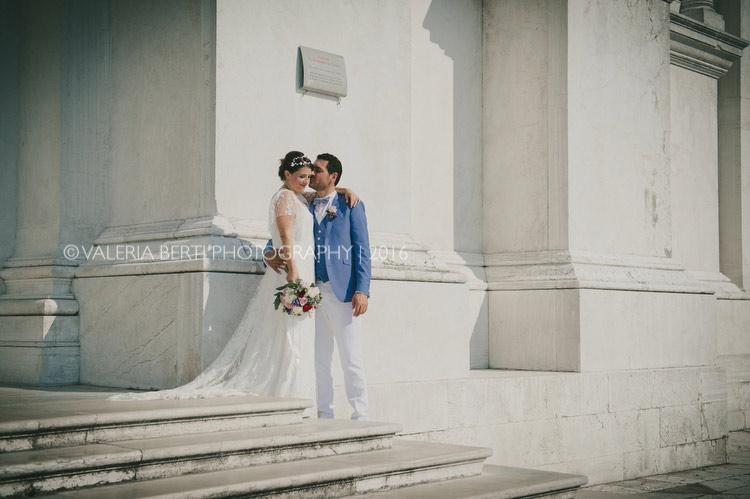ritratti-sposi-venezia-gondola-008