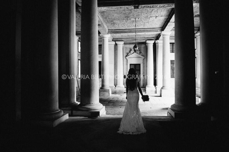 vestizione-ritratti-sposa-padova-palazzo-papafava-019