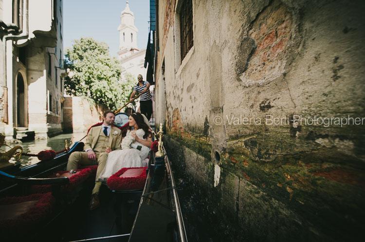 ritratti-sposi-gondola-venezia-ca-sagredo-005